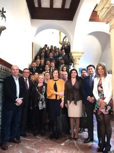 """Empresarios y proveedores se reúnen en el Círculo Mercantil para crear el foro """"Centro Empresarial CMIS""""."""