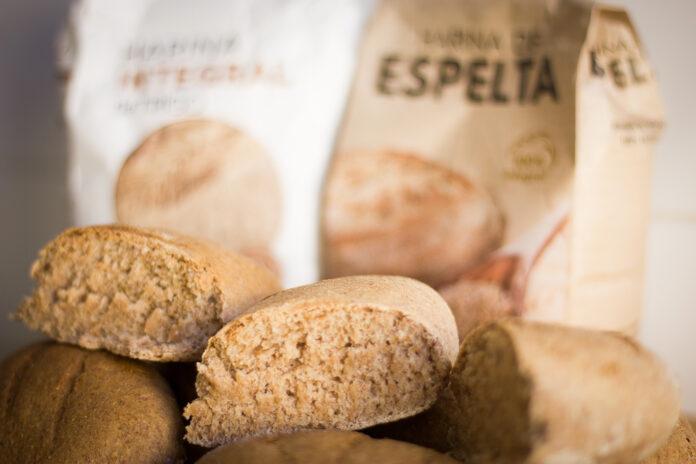 Pan de harina integral de espelta y trigo.