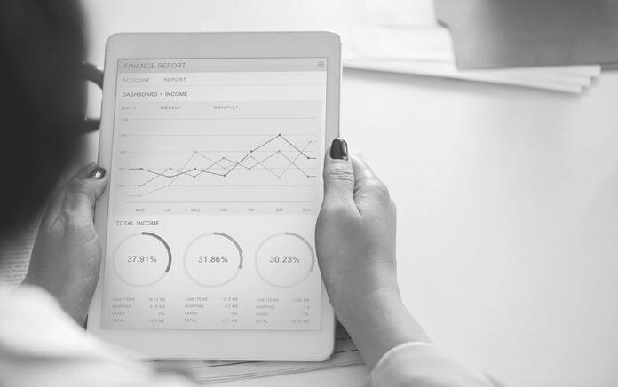 Empleo forma a empresas y autónomos en transformación digital para aumentar su productividad.