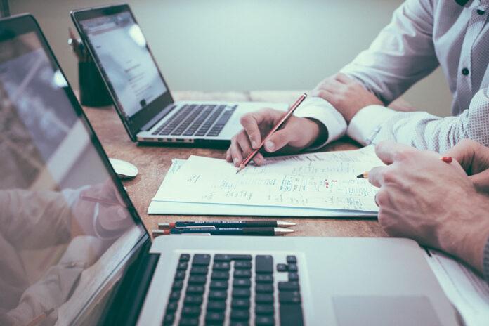 Presentado el Proyecto Espoban para poner en contacto a emprendedores y pymes con inversores.