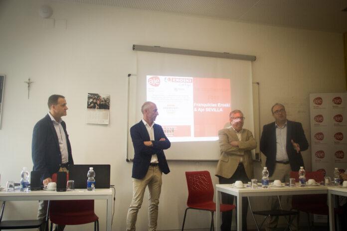 AJE celebra un nuevo networking junto a Eroski y Cáritas.