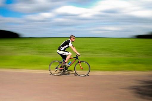 Movimiento en bicicleta.