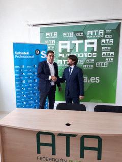 ATA Andalucía y Banco Sabadell firman un convenio para facilitar la financiación a los autónomos.