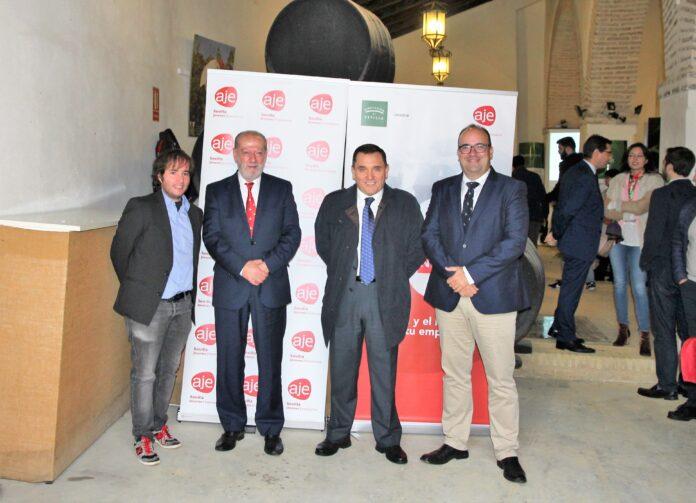 Empresarios de Sevilla y Huelva participan en Umbrete en una jornada de negocios.