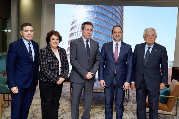 La Cámara de Comercio inaugura oficialmente el nuevo espacio del Club Cámara Antares en Torre Sevilla.