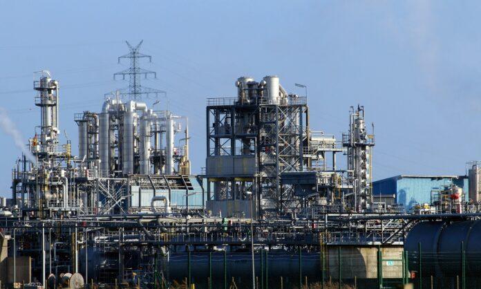FEDEME exige que el impulso a la industria sea una prioridad del nuevo gobierno en Andalucía.