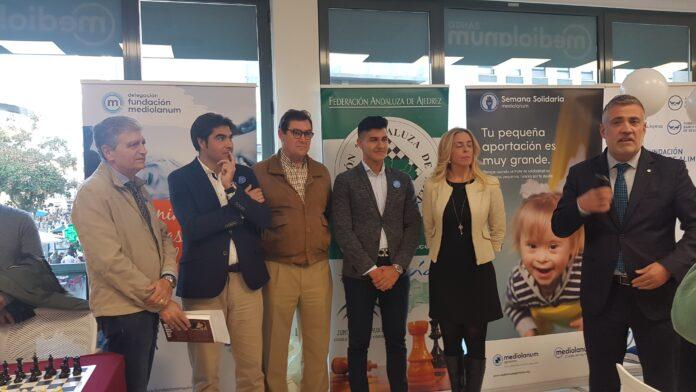 I Simultanea Solidaria de Ajedrez en Banco Mediolanum